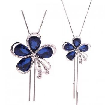 Collier et pendentif fleur...