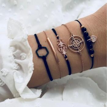 Set de 5 bracelets dorés et...