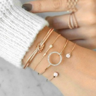 Set de 4 bracelets dorés ou argentés tendance